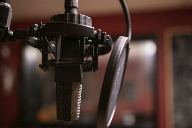 Equipment for online radio: studio microphone